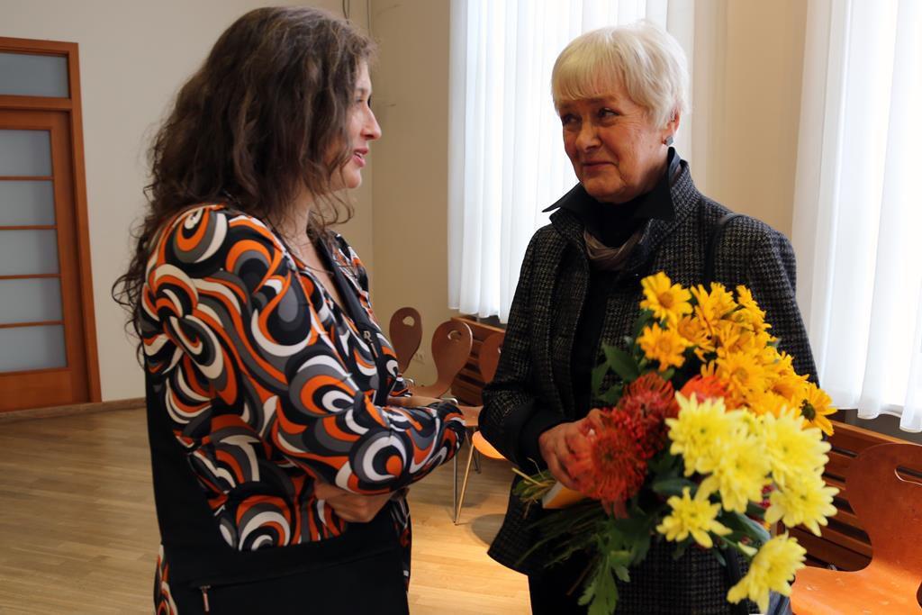 PAINTING SYMPOSIUM PARTICIPANTS MEETING WITH ARTIST SILVA LINARTE/PREZENTATIONS title=
