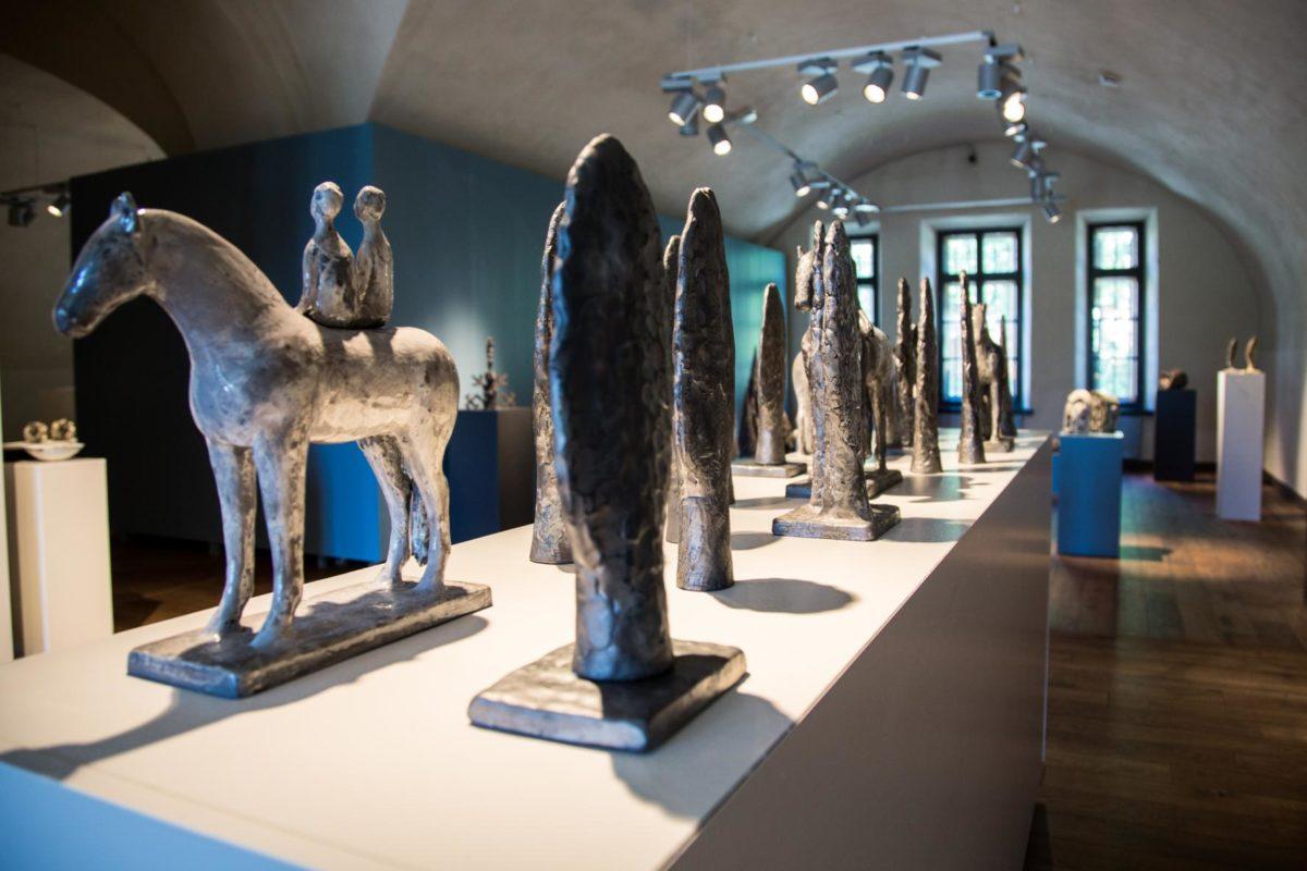 Художникам вручили денежные премии. Общий призовой фонд составил 20 000 евро