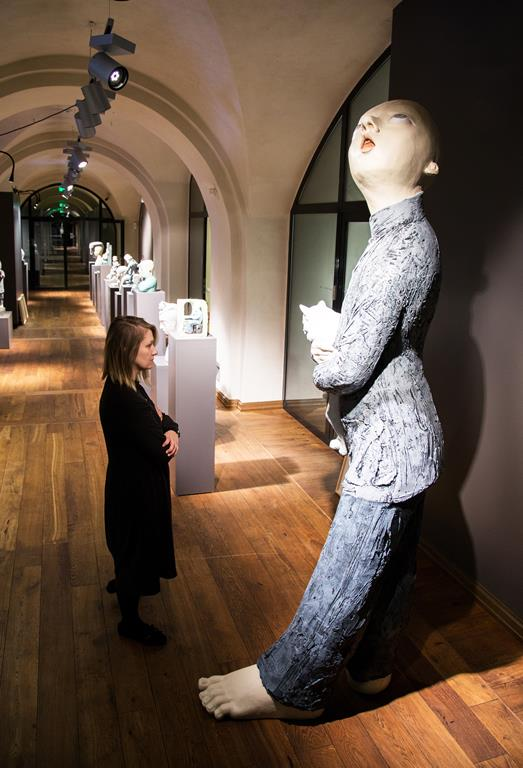 Rotko centrā sešpadsmit mākslinieku laikmetīgās mākslas izstāde no Vācijas