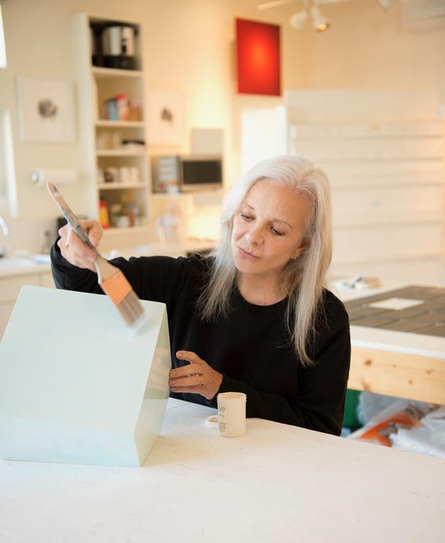 Amerikāņu mākslinieces meistardarbnīca Rotko centrā