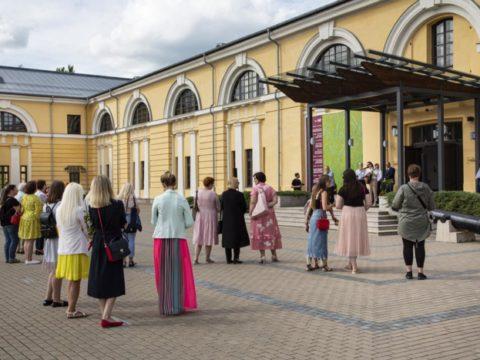 Открытие летнего выставочного сезона