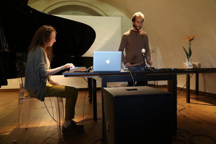 Rotko centrā atzīmēja mākslinieka Marka Rotko 115 gadu jubileju